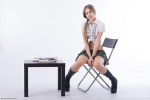 http://img253.imagevenue.com/loc154/th_208363768_tduid300163_Silver_Starlets_Katenka_student_1_005_123_154lo.JPG