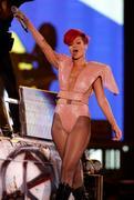 th_54715_RihannaLastGirlOnEarthTourLasVegasUSA17.07.2010_048_122_169lo.jpg