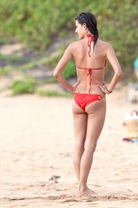 Alessandra Ambrosio red sexy bikini