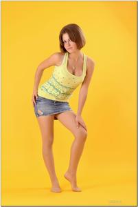 http://img253.imagevenue.com/loc244/th_278804419_tduid300163_sandrinya_model_denimmini_teenmodeling_tv_005_122_244lo.jpg