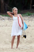 http://img253.imagevenue.com/loc41/th_913402275_Preppie___AnnaSophia_Robb_in_a_bikini_on_Soul_Surfer_set_in_Hawaii___Feb._13_2010_7379_122_41lo.jpg