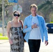 Christina Applegate Strolling in LA 13-12-2010